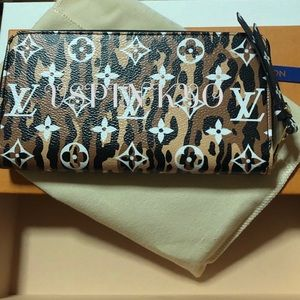 Louis Vuitton Bags - LV Zippy Wallet Giant Monogram Jungle Noir